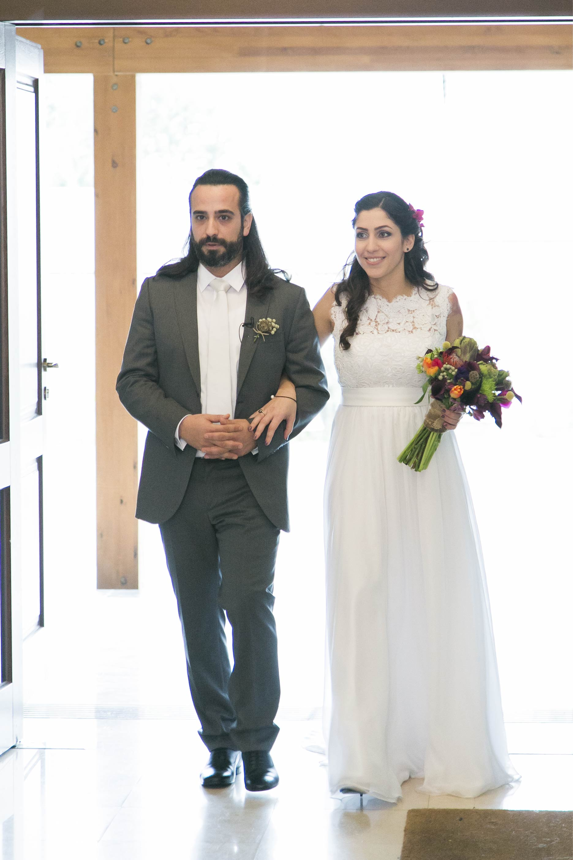 A colorful wedding in nicosia kanella mavri zachari events groom bride and the colorful buquet junglespirit Image collections